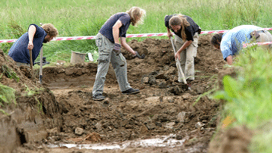 What's the difference between archaeology and grave robbing?