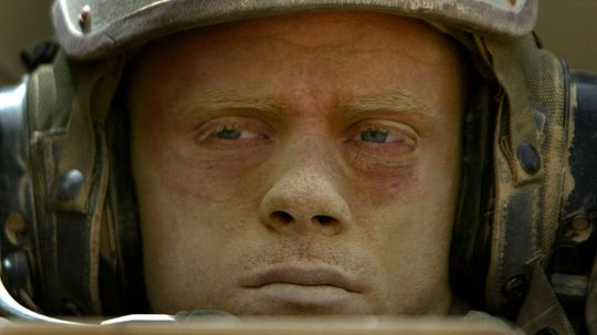 What does an Army combat engineer do?