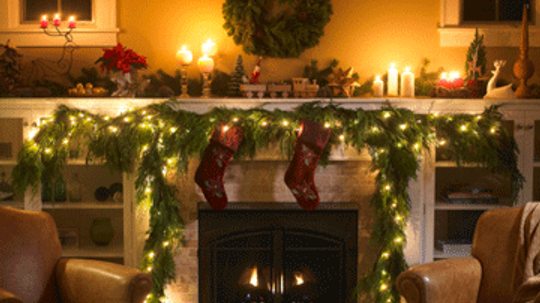 How to Decorate Your House for the Holidays on a Budget
