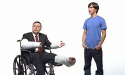 """Actors John Hodgman and Justin Long starred in several TV commercials during Apple's """"Get a Mac"""" ad campaign."""