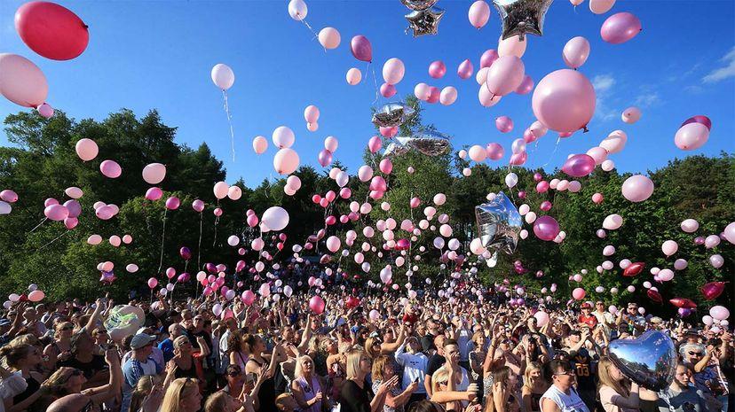 balloons, pollution