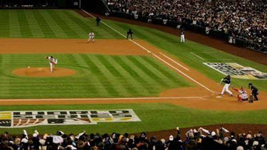 How Do Groundskeepers Make Patterns in Baseball Fields?