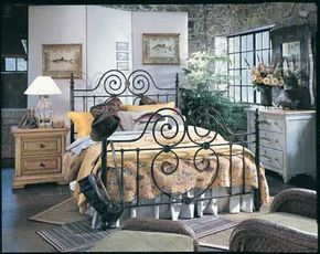 ©Ruder Finn, Inc., Thomasville Furniture                              Fanciful fish adorn the walls, pillows, and dresser in this bedroom.