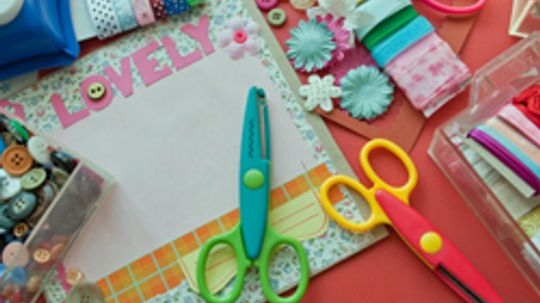 How to Turn a Bedroom Into a Craft Room