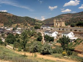 The Bierzo wine region has been gaining increasing attention since 1989. See our collection of wine pictures.