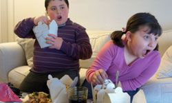 Obesity is a growing problem among kids and teens but parents can help by taking these 10 steps.