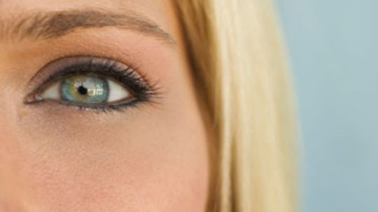 Complementary Eye Shadow Colors for Blue Eyes
