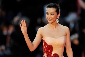 The international moviegoing market is a lucrative one, and Paramount Studios made every effort to attract Chinese fans, including giving Chinese star Li Bingbing a prominent role.