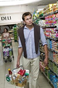 Are these grocery shoppers looking out for invasive advertising?