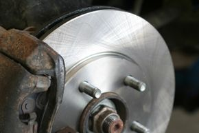 The cleaner can be used on brake linings, brake shoes, drums, rotors, caliper units, pads and other areas of the braking mechanism while they're still intact.