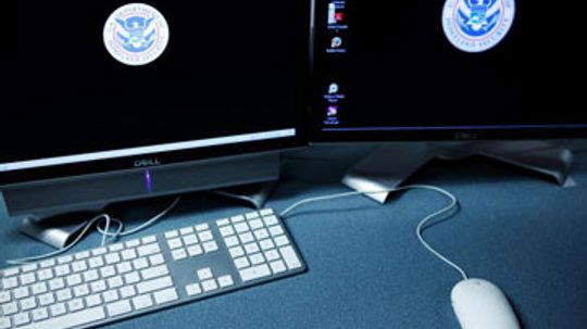 What does the U.S. cybersecurity czar do?