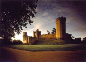 Image Gallery: Famous Landmarks Warwick Castle in England. See pictures of famous landmarks.