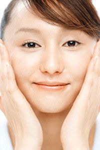 See how to keep your skin healthy and radiant with these tips.
