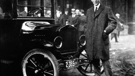 Why did cars become the dominant form of transportation in the United States?