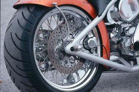 Wire-spoke wheels.