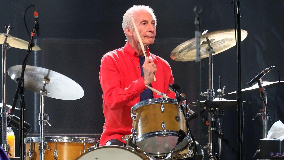 Charlie Watts, legendario baterista de los Rolling Stones, muere a los 80 años