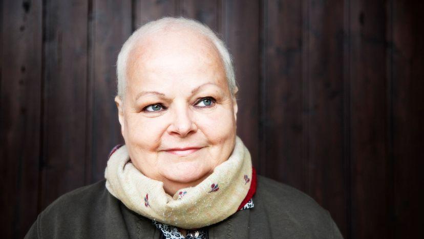 woman leaving chemo