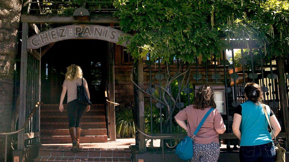 Chez Panisseが珍しいレストランのマイルストーンを打つ:ビズで50年