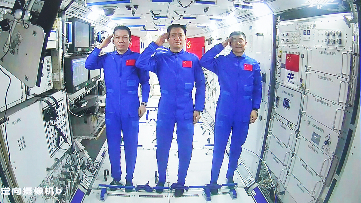 What Does China's New 'Heavenly Palace' in Space Mean for the ISS? |  HowStuffWorks