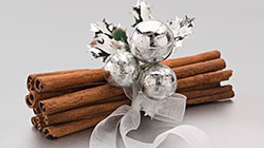 How to Use Christmas Fragrances in Your Decorations