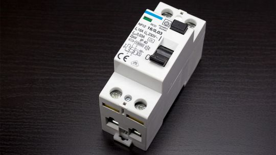 How to Replace a Circuit Breaker