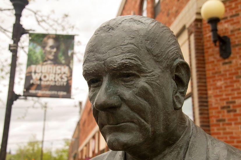 lyndon b. johnson statue