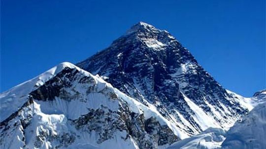 How Climbing Mount Everest Works