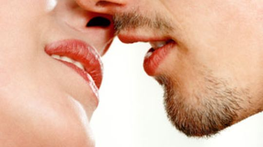 Can you spread herpes when you don't have a cold sore?
