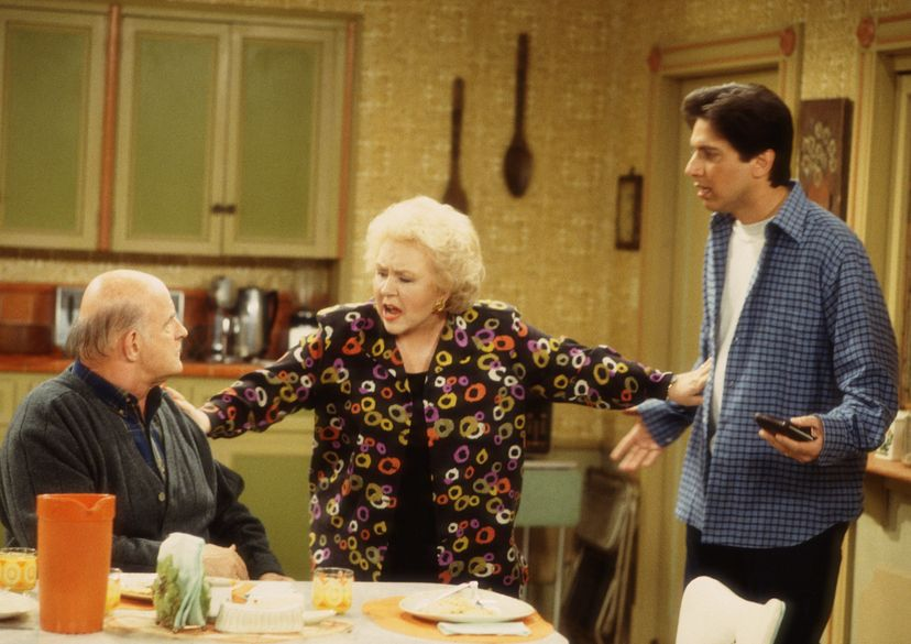 everybody loves raymond 1996 image of actors at kitchen table