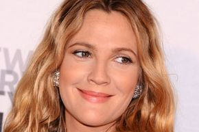 Some of the prettiest actresses in Hollywood have round faces.