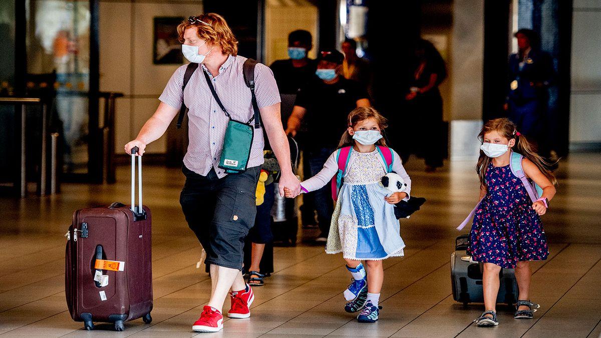 È sicuro viaggiare con bambini non vaccinati? 6 domande con risposta