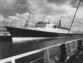 Titanic Image Gallery The QE2 (Queen Elizabeth II) liner moored alongside Southampton's Ocean terminal. See pictures of the Titanic, the most infamous cruise ship.