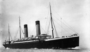 The Oceanic, the largest liner in the world when it was built by White Star Lines and launched in 1899, became beached in Scotland due to poor navigation.