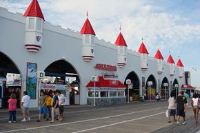 Faulty brakes contributed to the fatal 1999 accident at Gillian's Wonderland Pier.