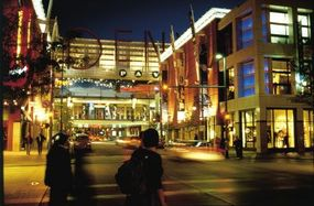 Photo courtesy ©2006 Denver CVB                                  The pedestrian promenade of the 16th Street Mall in downtown Denver                                                  is a one-mile stretch of restaurants, shopping, and more.