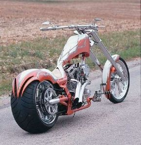 """The trailing edges of both the front and rear fenders on Deranged feature Midwest Choppers' signature """"fangs."""""""