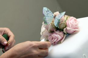 Using real flowers make for easy decorating -- and they may hide imperfections well, too!