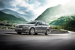 You can opt for a clean-diesel engine in the Volkswagen Jetta SportWagen. But do your diesel-powered savings plans actually add up?