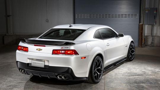 Does a dual exhaust system improve your car's performance?
