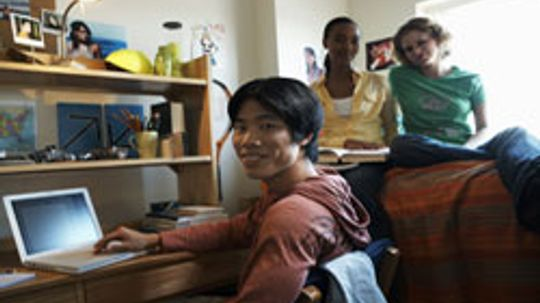 5 House Rules to Set with Your Dorm Roommate