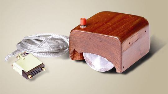 What device did Douglas Engelbart invent?