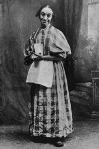 Vaudevillian Dan Leno tickled turn-of-the-century audiences by dressing as a woman.