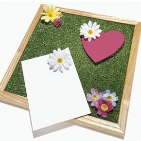 A decked-out corkboard deserves decorative accessories like these floral pushpins.