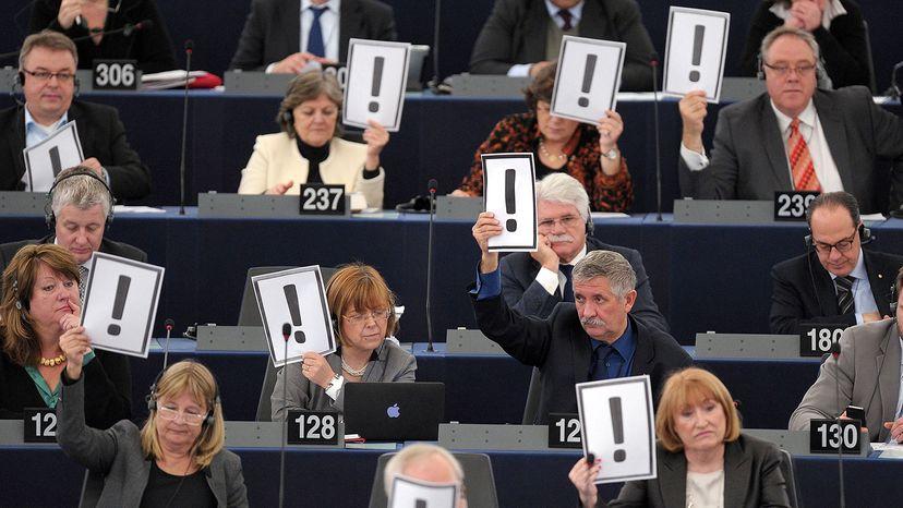 exclamation placards, European Parliament
