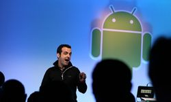 Google Product Management Director Hugo Barra talks about Honeycomb, the first build of the Android operating system for tablet devices.