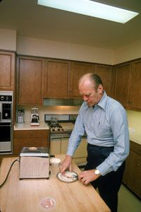 Should President Gerald Ford have sprung for the extended warranty for his toaster? Probably not; he could likely afford to simply replace it.