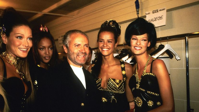 Carla Bruni, Naomi Campbell, Gianni Versace, Nadege and Linda Evangelista