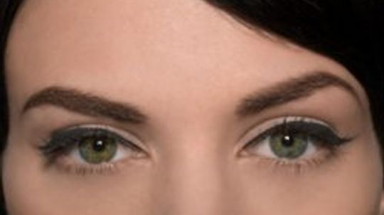 Quick Tips: Why do I break out after I get my eyebrows waxed?