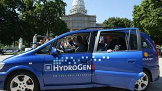 Electric Cars vs. Hydrogen Fuel Cell Cars