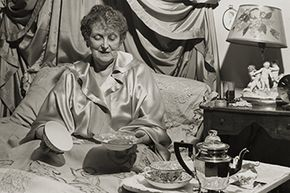 The great thing about Emily Post was that, while she was the queen of etiquette, she remained open-minded -- and enjoyed meals in bed. Celebrities: They're just like us!